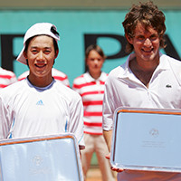 He won the doubles title at the Junior French Open in 2006.